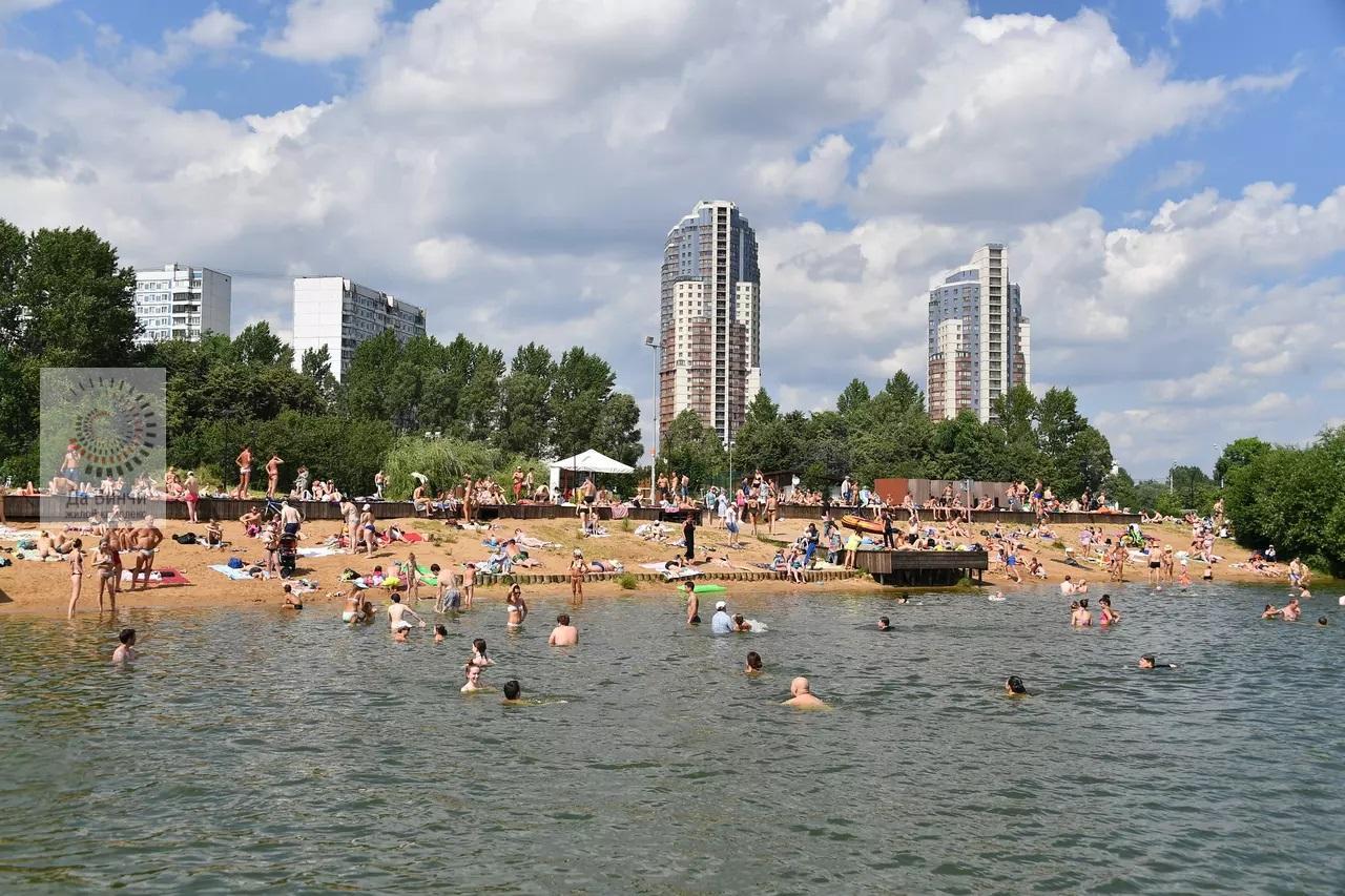 Вода в Москве реке прогрелась до 25 градусов